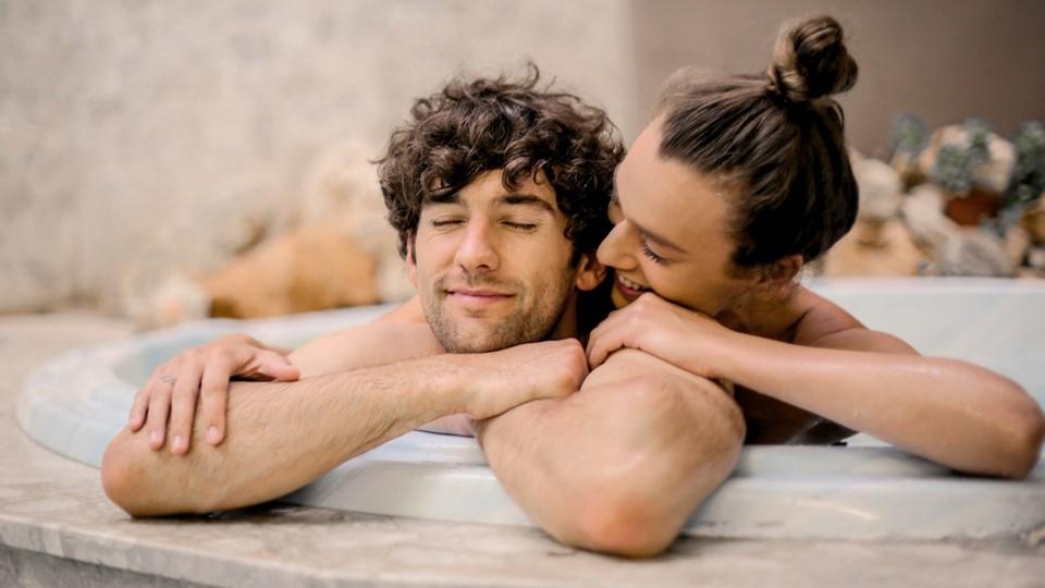 man-and-woman-on-bathtub-small